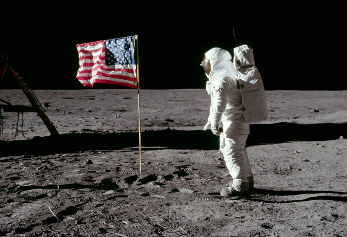 月では旗がなびかないって一時期よく話題になったよね